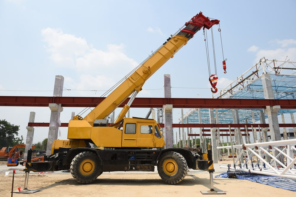 The benefits of a mobile crane hire over a fixed crane hire